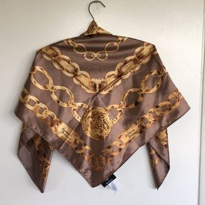 DENNIS BASSO Large Gold Chain Medallion Scarf